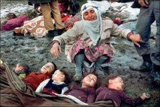 تعدادی از  کودکان  بیگناه  افغان که  چندی قبل در ولسوالی بالا بلوک ولایت فراه توسط بمباردمان  طیارات امریکایی به شهادت رسیدند .