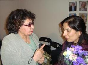 خانم  جویا و شفیقه نورزی مدیر مسوول مجلۀ زن