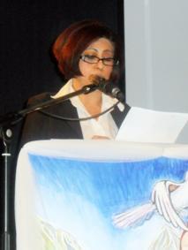 خانم صالحه وهاب واصل هنگام سخنرانی در کانگرس سراسرس زنان افغان دراروپا