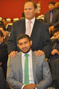 """الحاج امــیـن الـدیــن» سعـیـدی """" سعید افغانی """" با پسرش در شب عروسی"""