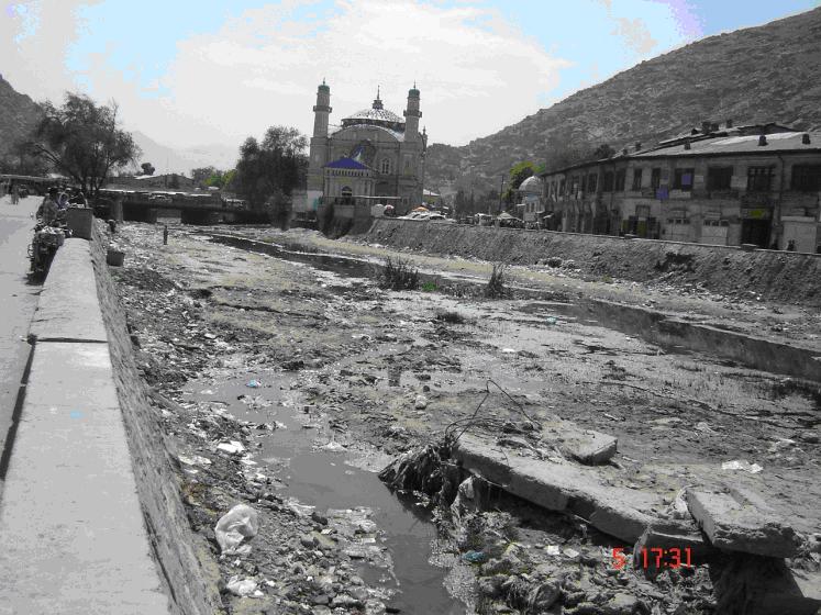 دریای کابل از غفلت مسئولان دولتی آشغالدانی شده است
