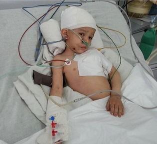 ابوذر طفل خورد سالی که تمام فامیلش به شهادت رسیدند