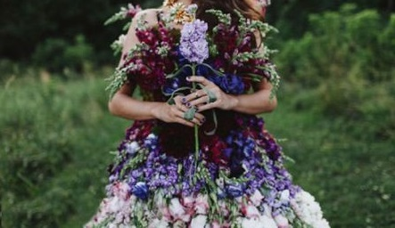 Very-beautiful-stylish-clothes-sewn-with-spring-flowers